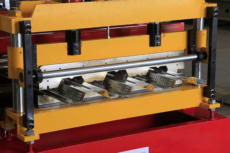 floor deck roll forming machine post cutter