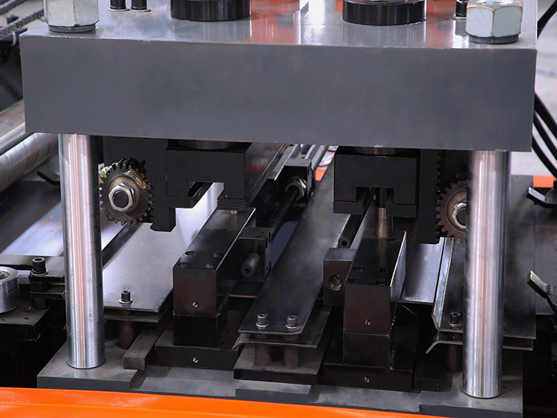 AUTO Change CZ Purlin Roll Forming Machine