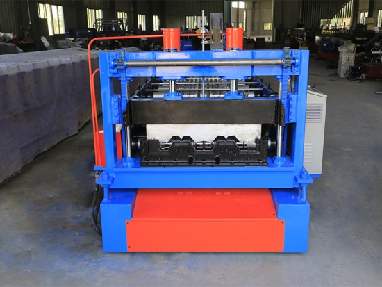 Floor Decking Roll Forming Machine for YX68-305-610 Profile